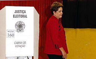 Dilma Roussef vote le 5 octobre 2014 à Porte Allegre