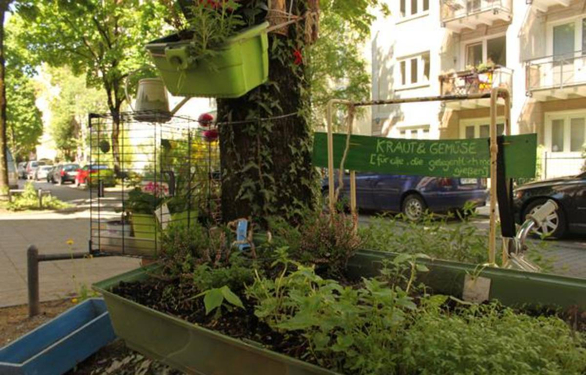 Un jardin improvisé dans une rue du centre de Munich, le 8 mai 2013. – A.Chauvet / 20 Minutes