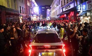 La nuit a été courte à Londres pour la réouverture des pub.