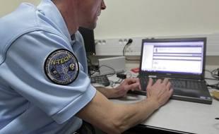 Les cyber-gendarmes surveillent la toile (illustration).