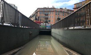 Une rupture de canalisation a provoqué une inondation dans le tunnel de Riquier.