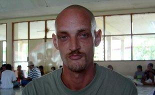 Michael Blanc à la prison de Denpasar à Bali, en février 2004.