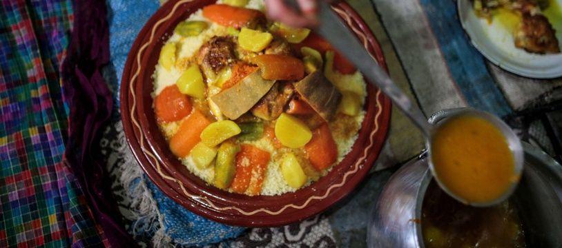 L'Algérie, la Tunisie et le Maroc revendique la patérnalité du couscous.