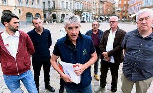 Les organisation anti-ours, vendredi, à Toulouse.
