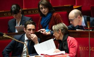 Jean-Baptiste  Djebbari et Elisabeth Borne à l'Assemblée, le 12 avril 2018.