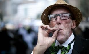 Les seniors sont de plus en plus nombreux à se tourner vers le cannabis thérapeutique aux Etats-Unis.