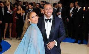 Jennifer Lopez et Alex Rodriguez au Met Gala 2017 à New York