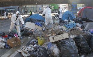 Paris, le 9 mai 2017. Après l'évacuation des 1.600 migrants installés Porte de la Chapelle, des solutions d'hébergement seront proposées.