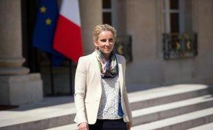 La ministre de l'Ecologie et de l'Energie Delphine Batho a indiqué mardi avoir rejeté une demande de permis d'exploration de gaz de schiste par la société Hexagon Gaz pour une zone à cheval entre la Corrèze, la Dordogne et le Lot.