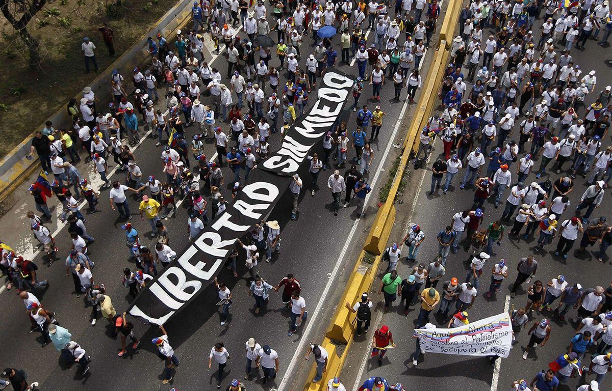 Une foule immense a manifesté mercredi 19 avril à Caracas contre le président Nicolas Maduro. – Ariana Cubillos/AP/SIPA