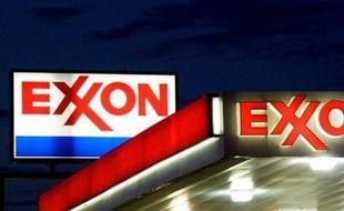 Le numéro un mondial de l'énergie ExxonMobil a annoncé mercredi qu'il rachetait le groupe canadien d'exploration pétrolière et gazière Celtic pour 3,1 milliards de dollars, reprise de dette comprise, intéressé notamment par ses actifs de schiste.