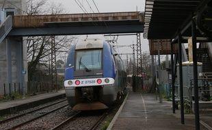 Le 10 février 2016, illustration TER, en gare de Blanquefort (Gironde)