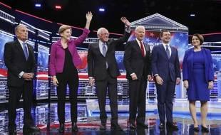 Les candidats démocrates Michael Bloomberg, Elizabeth Warren, Bernie Sanders, Joe Biden, Pete Buttigieg et Amy Klobuchar lors du débat télévisé du 19 février 2020.