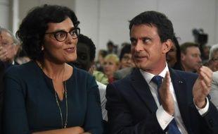 La ministre du Travail Myriam El Khomri (droite, ici avec le Premier ministre Manuel Valls le 8 juin 2016) persiste et signe: le gouvernement ne retirera pas sa réforme