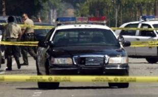 """Une fusillade a éclaté dimanche dans une église de Colorado Springs (Colorado, ouest des Etats-Unis), faisant de """"nombreuses victimes"""", a rapporté la chaîne locale KKTV, quelques heures après qu'un agresseur armé eut tué deux missionnaires chrétiens à 120 km de là."""
