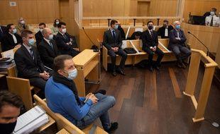 Sept militaires de l'école Saint-Cyr sont jugés à Rennes, huit ans après la mort de l'élève officier Jallal Hami.