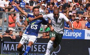 Wahbi Khazri (à droite), ici au duel avec Adrien Thomasson lors du match nul (1-1) à Strasbourg le 19 août.