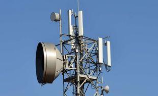 Pour la 5G, les opérateurs vont devoir déployer des antennes relais.