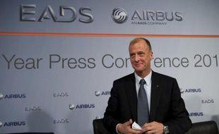 Tom Enders, nouveau patron du géant européen de l'aéronautique et la défense EADS, a remplacé brutalement lundi le président controversé de sa division défense du groupe Cassidian, Stefan Zoller, par son numéro deux Bernhard Gerwert.