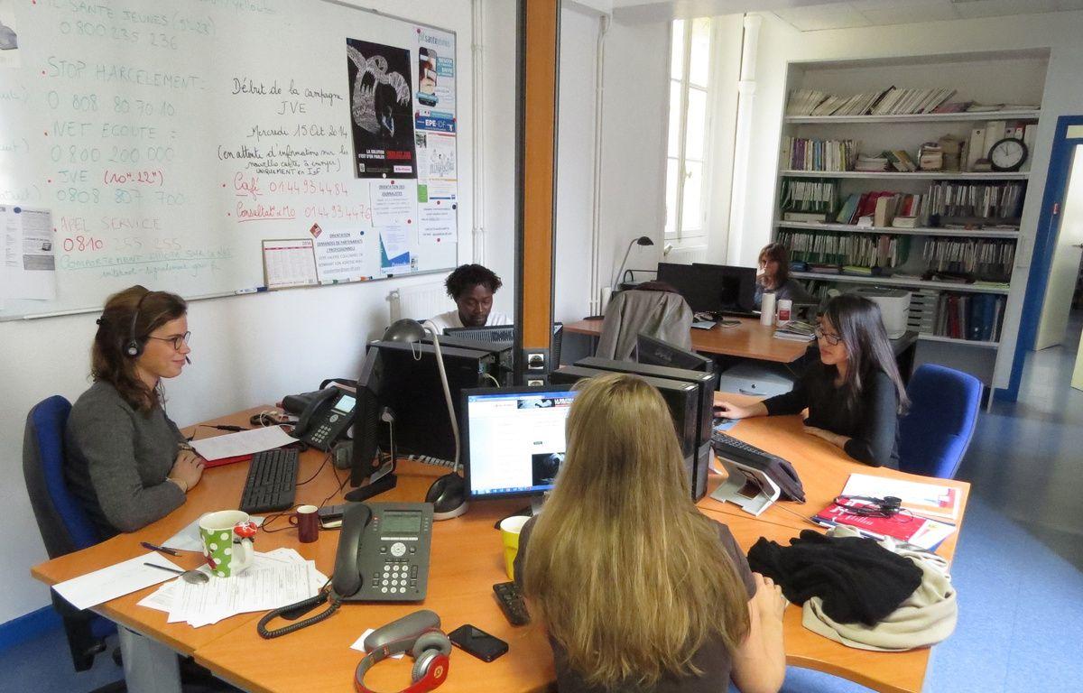 Reportage à Jeunes Violences Ecoute, une antenne pour les jeunes à Paris le 22 octobre 2014,  – O. Gabriel / 20 Minutes