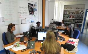 Reportage à Jeunes Violences Ecoute, une antenne pour les jeunes à Paris le 22 octobre 2014,
