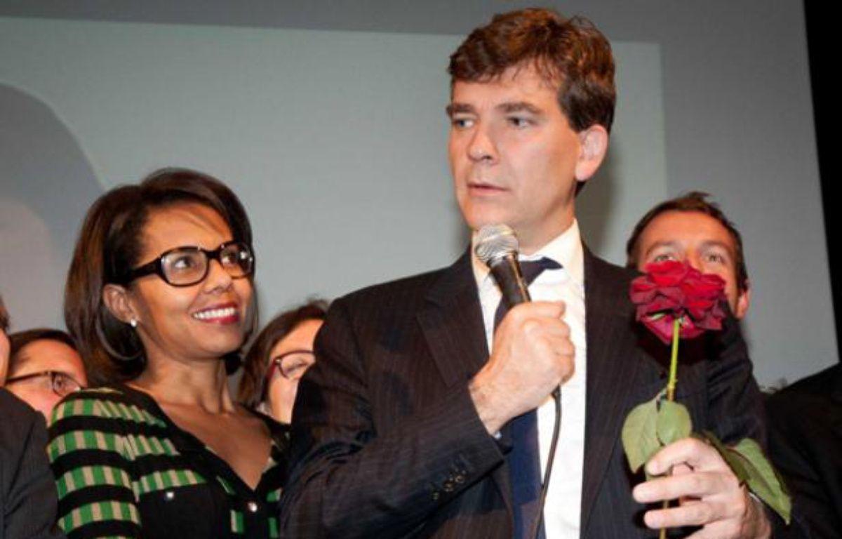 La journaliste Audrey Pulvar aux côtés de son compagnon Arnaud Montebourg (PS), au moment de son discours le soir du premier tour de la primaire socialiste, le dimanche 9 octobre 2011. – DUPUY FLORENT/SIPA