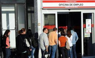 Le chômage en Espagne est reparti à la hausse au dernier trimestre 2013, à 26,03%, et reste le principal point noir de l'économie du pays qui vient de renouer avec une faible croissance.