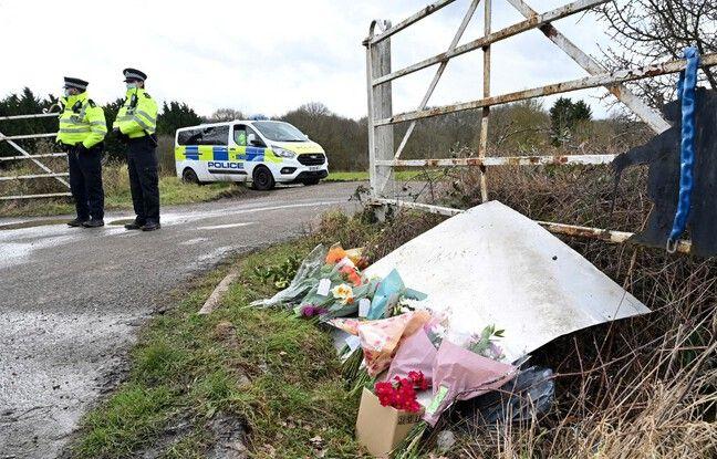 648x415 fleurs messages condoleances sarah everard pres lieu o corps jeune femme retrouve ashford angleterre 12 mars 2021
