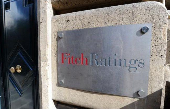 """L'agence de notation Fitch a maintenu vendredi le """"triple A"""" de la France, la meilleure note financière possible, toujours assortie d'une perspective négative, qui signifie qu'elle pourrait abaisser sa note en 2013."""