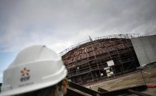 """Le réacteur nucléaire de nouvelle génération EPR en construction à Flamanville (Manche) sera mis en service """"fin 2016"""", a précisé jeudi le directeur EDF de la future centrale."""