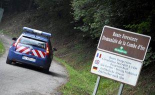 """La piste du cycliste français, Sylvain Mollier, abattu aux côtés de la famille britannique al-Hilli lors de la tuerie de Chevaline (Haute-Savoie) """"a été fermée à 99,9% par les enquêteurs"""", a indiqué lundi le procureur de la République d'Annecy, Eric Maillaud."""