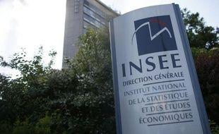 Logo de l'Inse à l'entrée du siège, le 22 mai 2015, à Paris