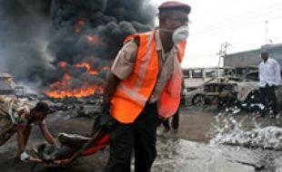 Au moins 200 personnes ont péri dans l'incendie d'un oléoduc, mardi 26 décembre à Lagos, au Nigeria.