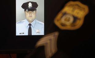 Photo de l'officier de police visé à Philadelphie aux Etats-Unis par un homme se disant sympathisant de Daesh.