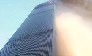 Un ancien cameraman de la chaîne américaine CBS a restauré une vidéo tournée lors de l'effondrement des tours jumelles.