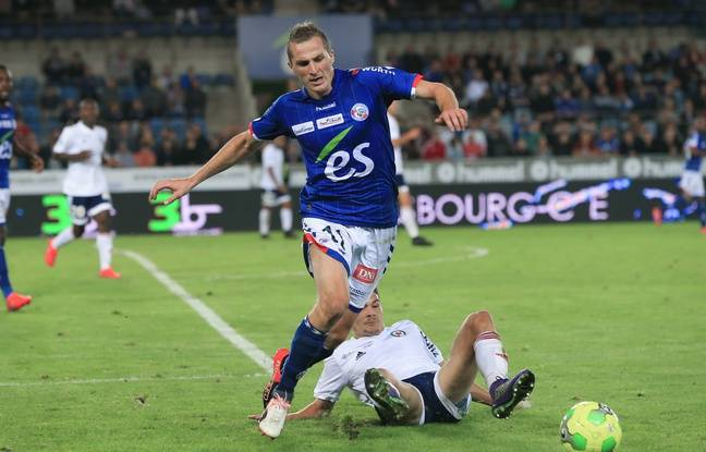 Strasbourg le 19 septembre 2016. Foot RCS vs Red Star Dimitri LIENARD
