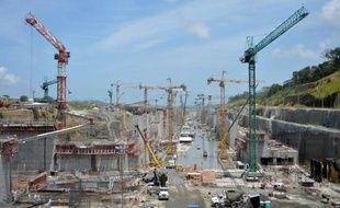 Les travaux d'élargissement du Canal de Panama pourraient être suspendus la semaine prochaine en raison de la persistance du conflit financier existant entre le gestionnaire de la voie et le consortium chargé du chantier, a indiqué jeudi l'administrateur du canal.