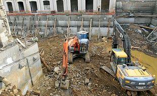 Un parking souterrain a été creusé au centre de l'ancienne gendarmerie.
