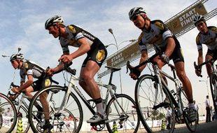 Les coureurs de l'équipe belge Topsport, lors du Tour du Qatar, le 1er février 2009.