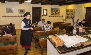 Les plus de 14 ans peuvent passer (ou repasser) leur Certificat d'études primaires à l'Ecomusée d'Alsace.
