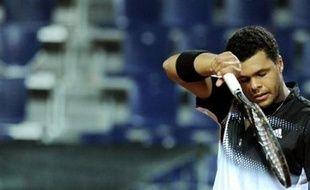 Le Français Jo-Wilfried Tsonga, finaliste de l'Open d'Australie 2008, a quitté le tournoi Masters Series d'Hambourg dès le deuxième tour après sa défaite contre le Suédois Robin Söderling mercredi.