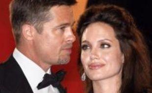 Le couple de superstars américaines Angelina Jolie et Brad Pitt a effectué une donation d'un million de dollars au profit de l'éducation d'enfants touchés par la guerre en Irak, a annoncé mercredi l'organisation ayant reçu ce don.