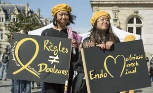 Des manifestantes à Paris en mars 2017 lors d'une marche pour la lutte contre l'endrométriose
