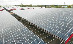 La centrale photovoltaïque de Bordeaux-Lac
