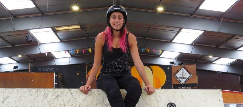 Anaëlle Nogueira, rideuse pro de roller basée à Nantes.