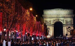Les illuminations 2019 des Champs-Elysées ont été inaugurées ce dimanche.