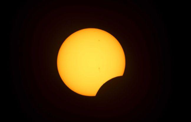 Eclipse solaire, illustration.