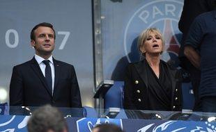 Emmanuel Macron et son épouse à Paris pour la finale de la Coupe de FRance entre le PSG et Angers le 27 mai 2017.