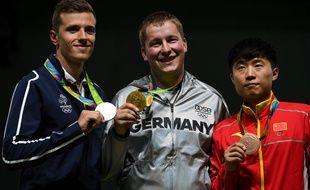 Jean Quiquampoix (à gauche) a pris la médaille d'argent en tir aux JO de Rio.
