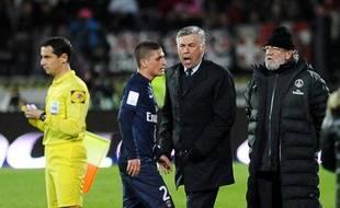 Carlo Ancelotti crie sur Marco Verratti après son expulsion, le 28 avril 2013 à Evian